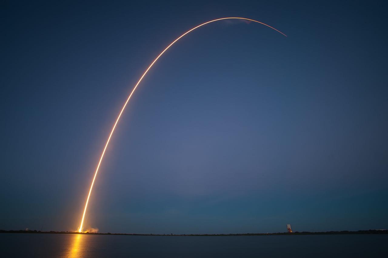 rocket-launch-693236_1280.jpg
